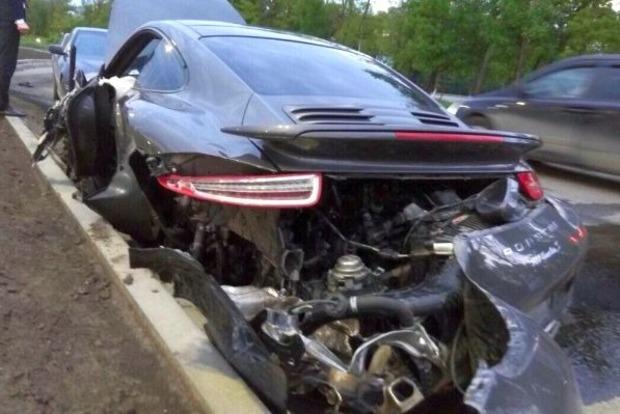 В Ростове в ходе тест-драйва разбили Porsche за 6,5 млн рублей