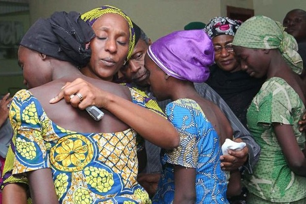 У Нігерії терористи відпустили 82 школярок, викрадених три роки тому