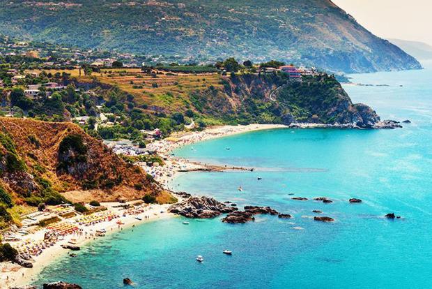 Все чаще выбирают природу и острова в ЕС: эксперт назвала популярные турнаправления