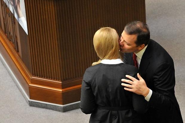 Тимошенко стала Шэрон Стоун, а Ляшко - Меркьюри. В сети едко высмеяли кандидатов
