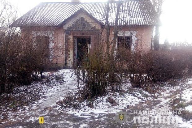 Тіло розтерзали собаки: в Хмельницькій області знайшли немовля