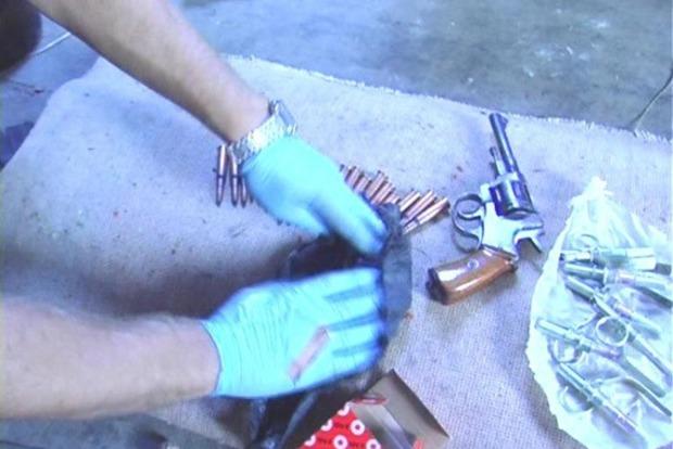 На Николаевщине у местного жителя нашли автомат, гранаты и коноплю