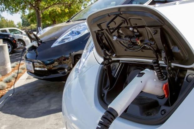 Великобритания инвестирует миллионы фунтов в разрядку электрических автомобилей