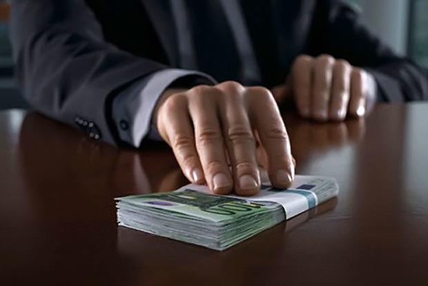 В Черниговской области за коррупцию осуждены два чиновника