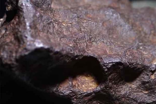 Американець 30 років підпирав двері метеоритом за $100 тисяч
