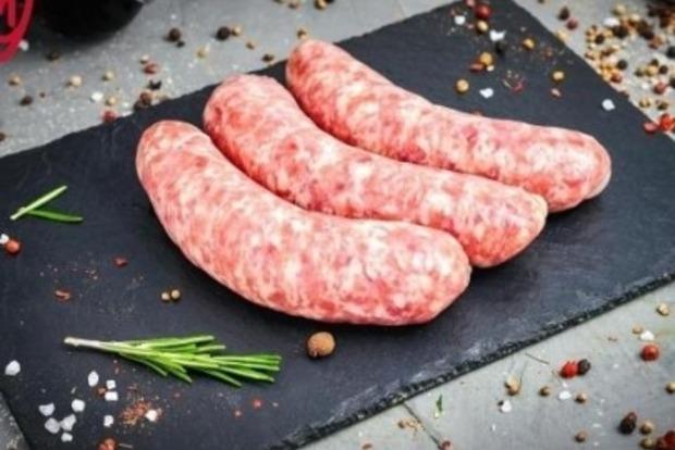 Известный супермаркет оскандалился из-за колбасы к 8 Марта