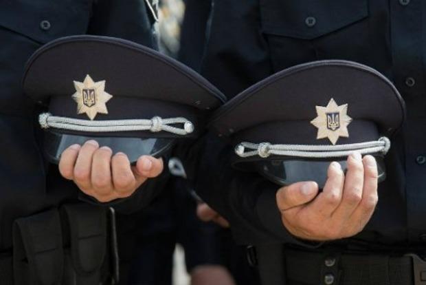 В Хмельницкой области на полицейский экипаж напали
