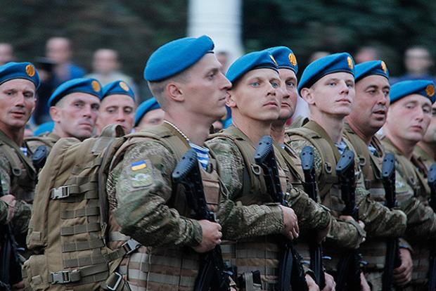 Названа новая дата профессионального Дня десантника Украины
