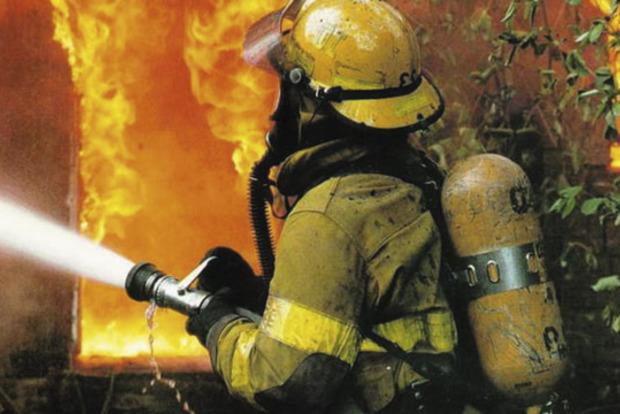 У Миколаївській області загорівся переробний завод