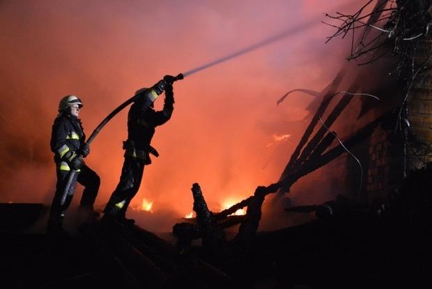 УДніпрі унаслідок пожежі вигорів ресторанний комплекс,— ДержНС