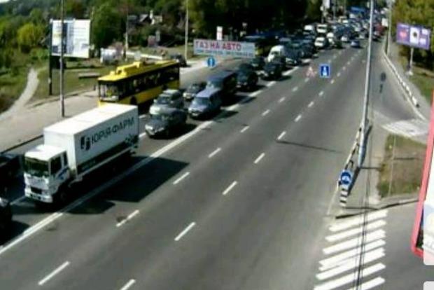 В Киеве столкнулись шесть автомобилей