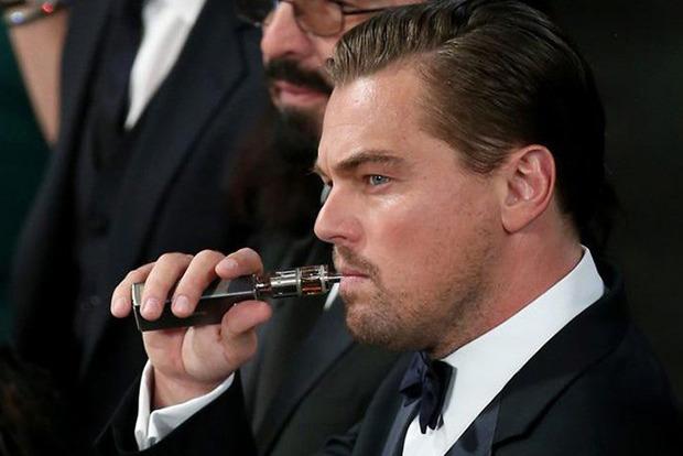 Вейпы подсаживают на курение, а не помогают бросить вредную привычку – соцопрос