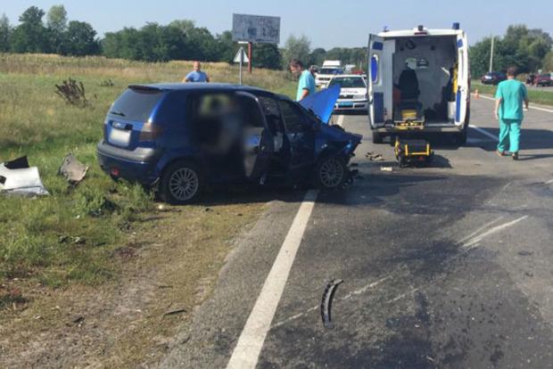 Задел столб. Три человека погибли в жутком ДТП на Черниговщине
