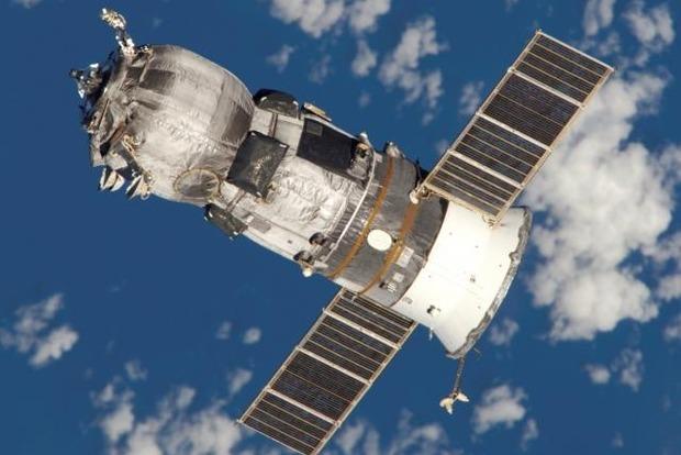 Новый пилотируемый корабль повезет на МКС хрен и икру