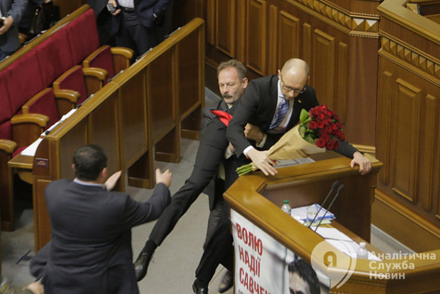 Полиция ищет тех, кто мешал когда-то работать премьеру Яценюку