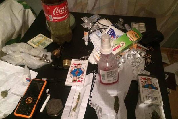 На Запорожье задержаны прокуроры, торговавшие наркотиками