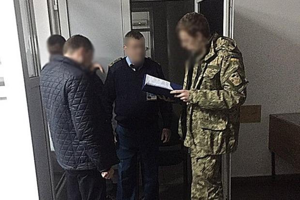 На Львовщине поймали взяточника – старшего инспектора таможни