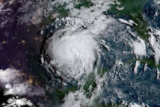 На США надвигается новый разрушительный ураган