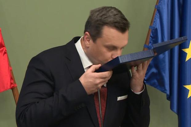 В Словакии требуют выслать российского дипломата, обозвавшего посла Украины дебилом