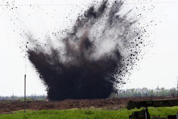 В Донецкой области на автобусной остановке произошел взрыв, есть пострадавшие