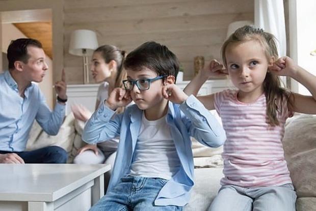 Родители должны спорить при детях. Психологи поясняют почему