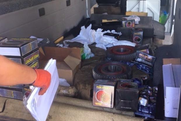 На Харьковщине пограничники обнаружили в микроавтобусе украинца «черный ящик»