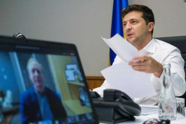 Президент Украины сделал выбор в пользу проприетарного ПО. О чем Зеленский общался с главой Microsoft