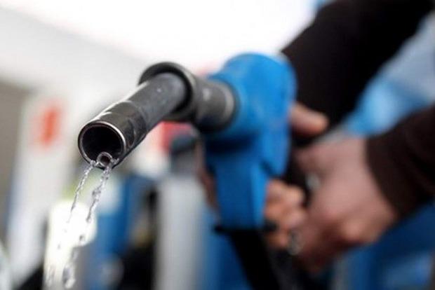 У країні підвищуються ціни на дизпаливо і бензин
