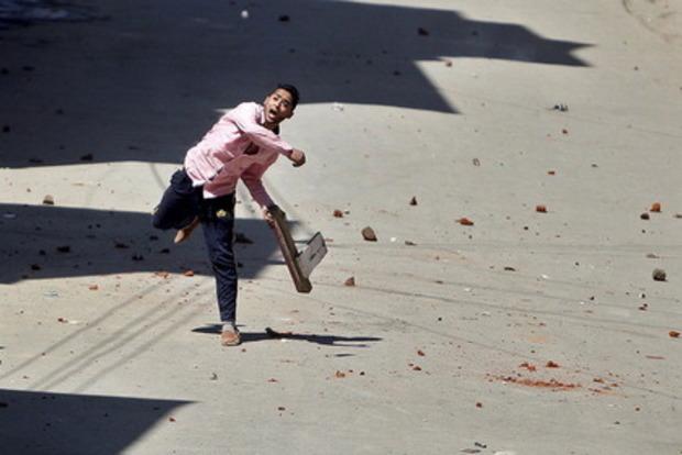 На индийском фестивале метания камней пострадали почти 500 человек