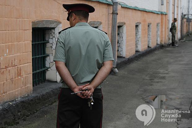 Эксперты фиксируют по 2,5 тысячи фактов пыток в год. Это - вершина айсберга