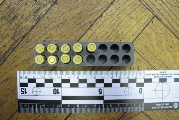 В одном из районов Киева мужчина продавал боеприпасы