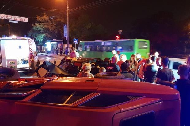 П'ятеро постраждалих: в Харкові в результаті ДТП перекинулася машина
