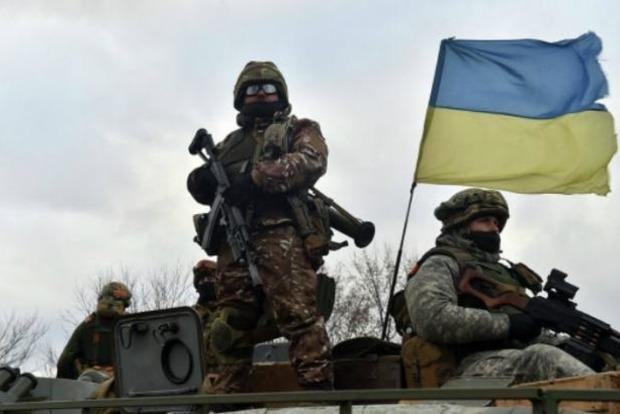 За сутки в АТО погиб украинский военный, еще двое ранены