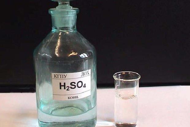 Власти Британии ограничат свободную продажу серной кислоты