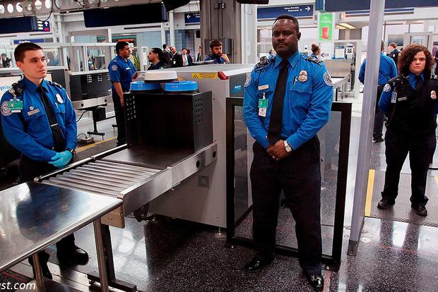 Туристов, которые едут в Европу, будут проверять на детекторе лжи