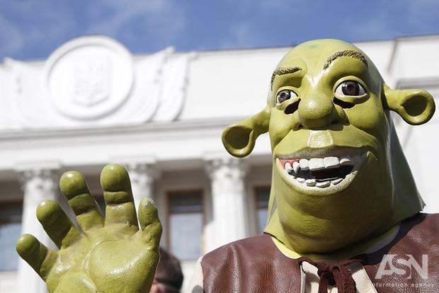 Миньоны, покемоны, Чебурашка и Шрек протестовали против непрозрачного назначения аудитора НАБУ