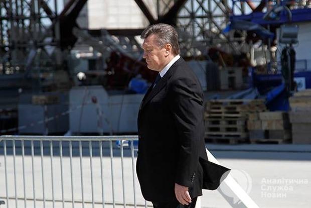 Суд разрешил задержать беглого Януковича - Луценко