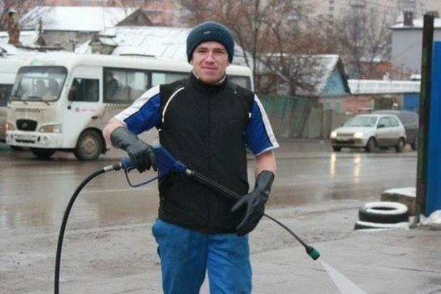 Портретом автомойщика Моторолы загадят здание в Донецке