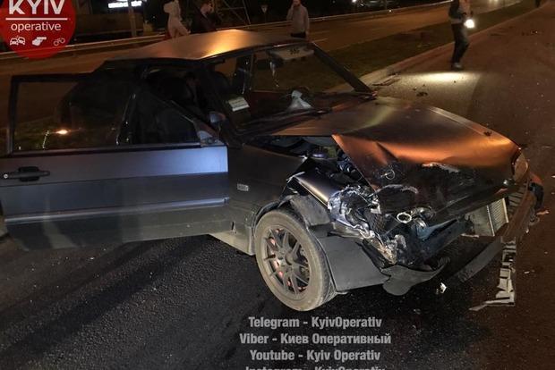 Масштабная авария в Киеве: столкнулось пять автомобилей, трое пострадавших