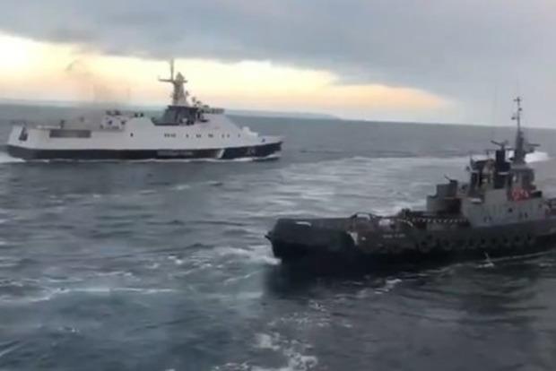 Выкрутили даже розетки и унитазы: Россияне разворовали украинские корабли