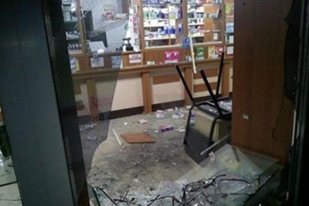 Злоумышленники бросили гранату в аптеку в Харькове