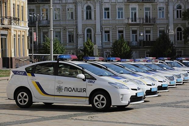 В Запорожье двое патрульных грабили прохожих