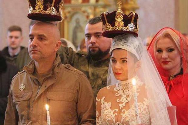 Прилепин повенчался с женой в оккупированном Донецке