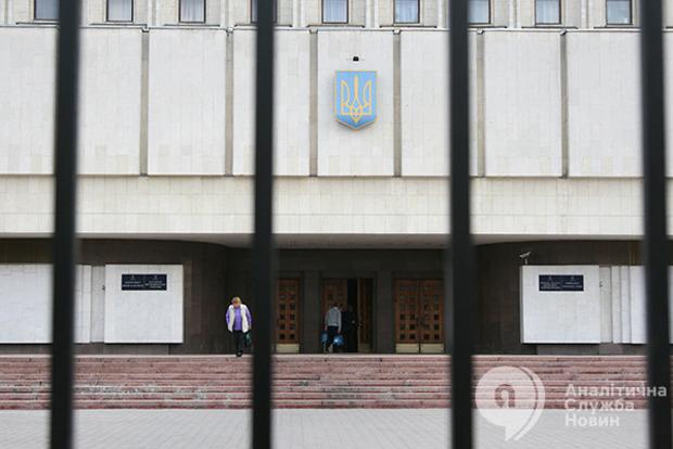 Один от БПП в обмен на одного от Народного фронта: у Порошенко нашли компромисс по ЦИК