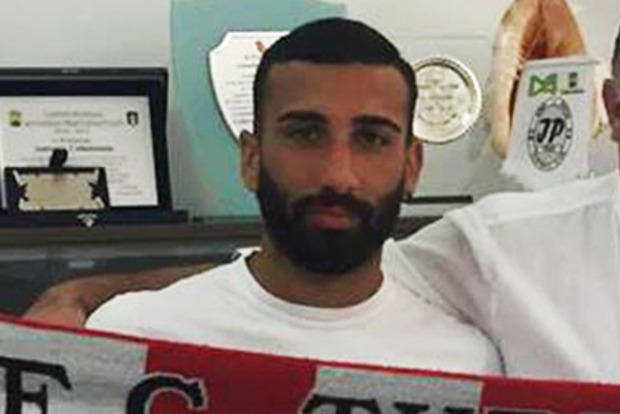 Итальянский игрок получил 5 матчей дисквалификации зато, что помочился перед фанатами