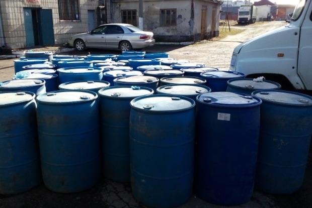 В Ивано-Франковской области налоговики изъяли нелегальную партию спирта стоимостью более миллиона гривен