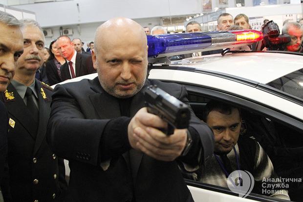 На Донбассе каждый день увеличивается количество оружия из РФ – Турчинов
