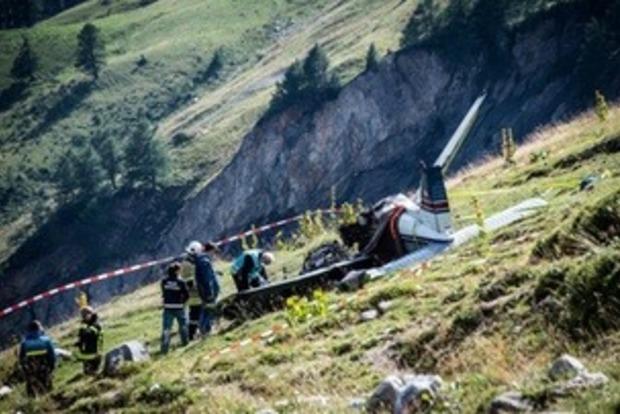 В Швейцарии потерпел крушение пассажирский самолет, есть жертвы