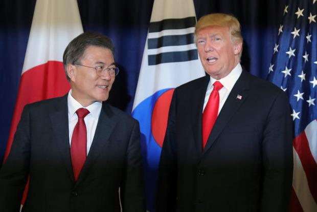 Трамп обсудил с президентом Южной Кореи пуск ракеты КНДР