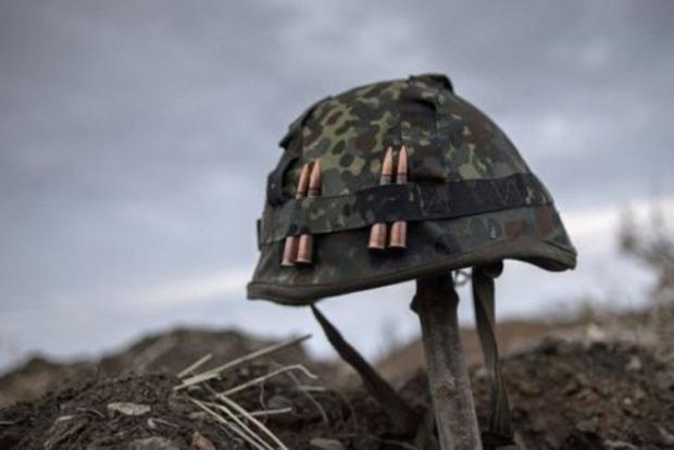 Матиос уточнил потери на Донбассе: трое раненых в бою, пять небоевых потерь